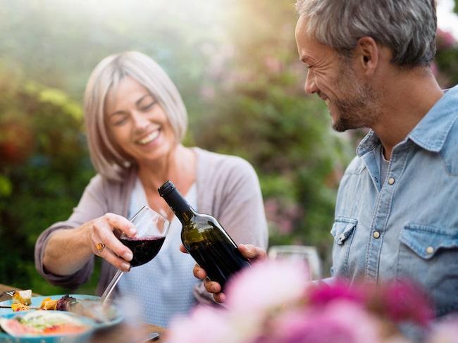 I studien så analyserades 4 864 personer som alla hade varit gifta i ungefär 33 år.