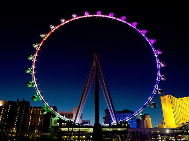 Något billigare är det att åka med pariserhjulet, där du också får se hela stadens prakt uppifrån.