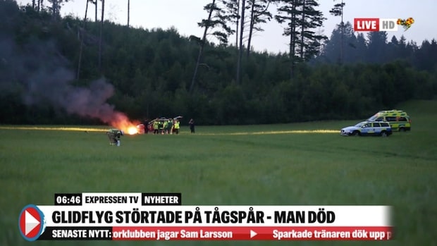 Glidflyg störtade på tågspår – man död