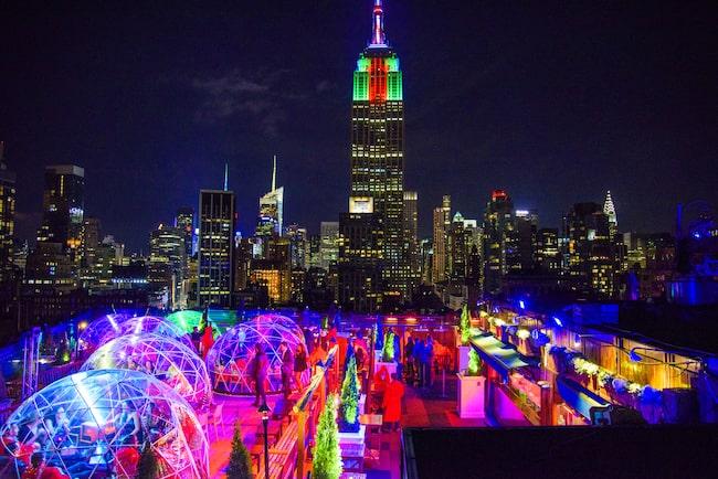 Takbaren 230 Fifth i New York kan ha öppet dygnet runt – tack vare sina igloor.