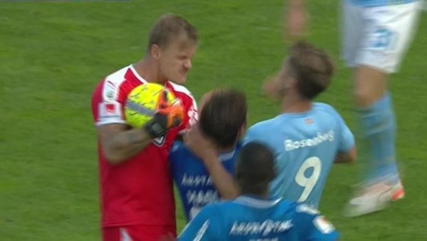 Johan Dahlin rasande efter närkampen