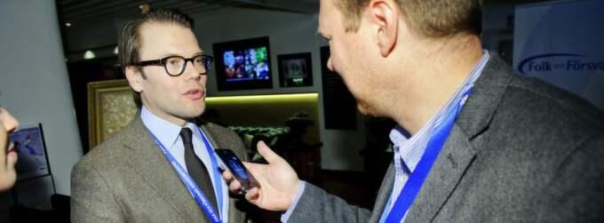 Prins Daniel intervjuas av Expressens Niklas Svensson. Foto: Jens L'Estrade
