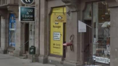 Malmöbon som toppar Kronofogdens lista över de mest skuldsatta bilmålvakterna i Sverige har sin adress till en postbox. Hit skickas bland annat de p-böter som aldrig betalas. Foto: Google