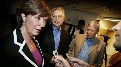 Socialdemokraternas Mona Sahlin, Miljöpartiets Peter Eriksson och Vänsterpartiets Lars Ohly väntas lägga fram motstridiga förslag om allt från a-kassa till inkomstskatt. Foto: Stefan Forsell