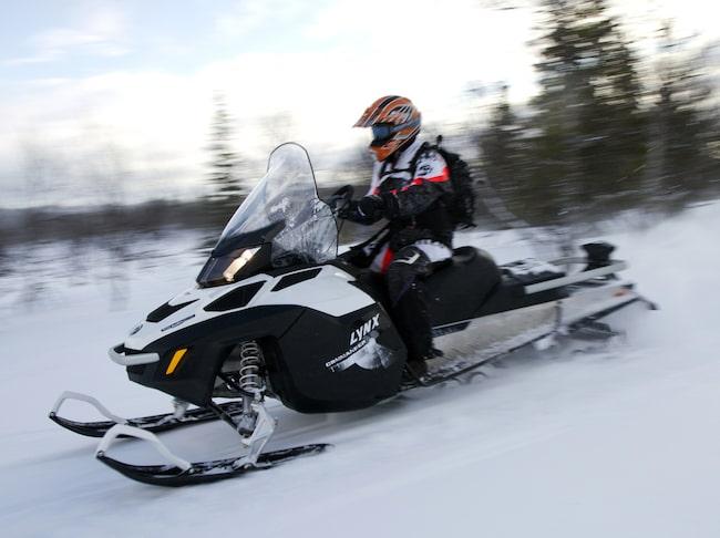 På tiden: I mitten av december börjar svenskt förarbevis för snöskoter att gälla också i Norge.