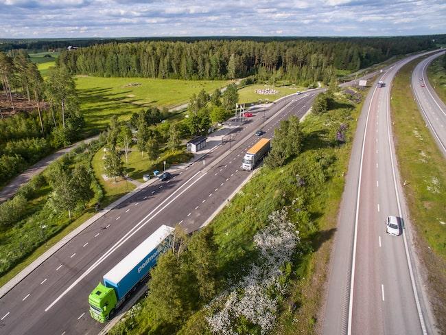 En årlig tradition är när Motormännen, nu M Sverige, utser landets bästa rastplatser. Här Björnfallet, strax utanför Örebro.