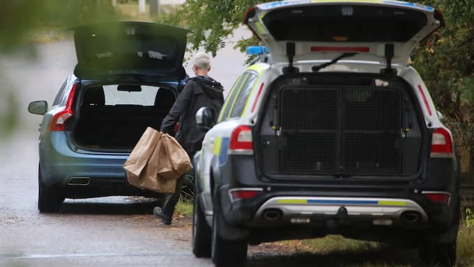 Polisen undersökte den misstänkte mannens bostad under söndagen. Foto: JANNE ÅKESSON/SWEPIX