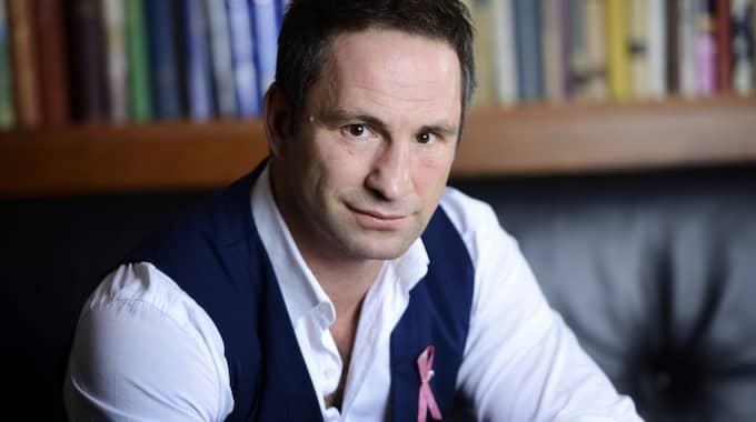 Debatten kring Paolo Robertos uppmärksammade bröstskämt fortsätter. Foto: Christian Örnberg