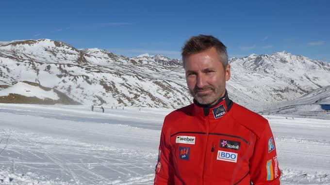 LOCKET PÅ. Bernt Halvard Olderskog, kommersiell ledare på norska skidförbundet, vill inte prata. Foto: TOMAS PETTERSSON