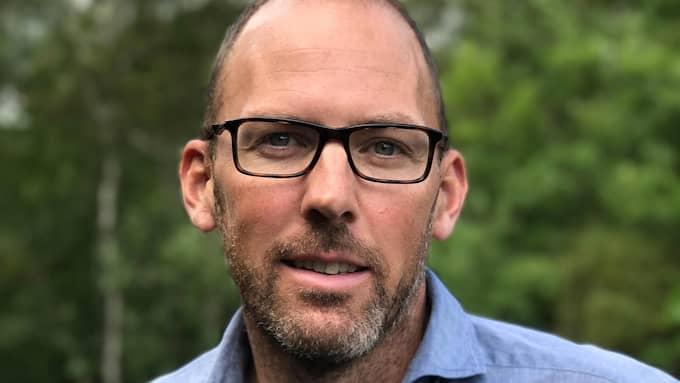 Henrik Munck är förtroendevald miljöpartist med ansvar för ett särskilt utsatt område i Göteborg. Han riktar nu hård kritik mot MP:s identitetspolitik.