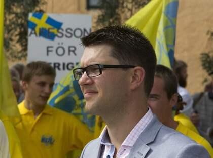 PARTIET DRIVS AV HAT. Sverigedemokraternas Jimmie Åkesson leder ett parti som skulle kunna hata din gamla mormor, bara för att hon bär slöja. Foto: Tomas Leprince