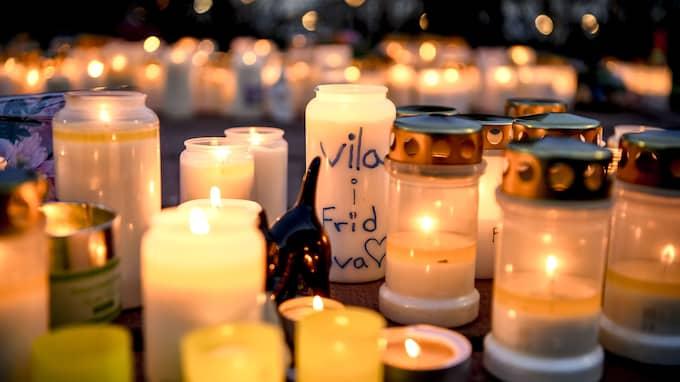 Ljusmanifestation för 19-åriga i Iggesund den 17 maj. Foto: ALEX LJUNGDAHL / ALEX LJUNGDAHL EXPRESSEN
