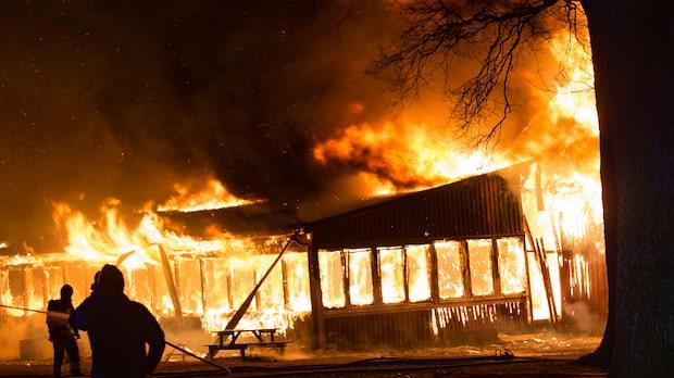 Brand i dansbana – är totalförstörd