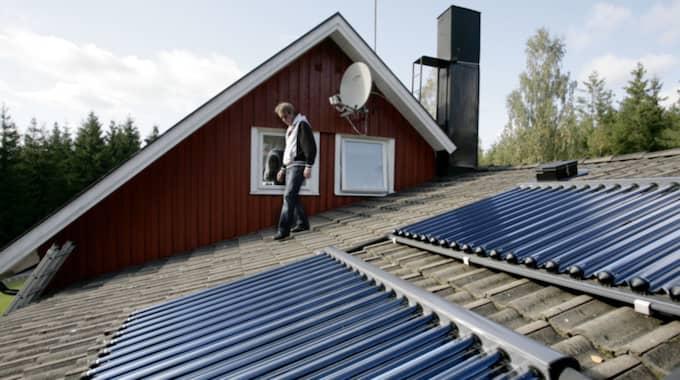 Regeringens skatt har redan fått en del företag att skrota sina planer på fler solcellsanläggningar. Foto: Stephan Berglund