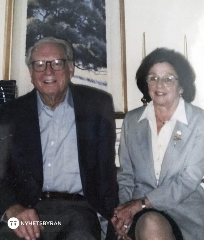 Charles, 100, och Sara Rippey, 98, på bild. Foto: AP