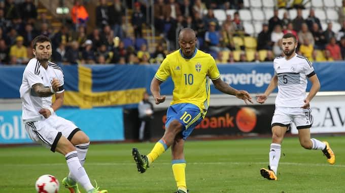 Carlos Strandberg gör 1–0 mot Cypern. Foto: ADAM IHSE/TT / TT NYHETSBYRÅN