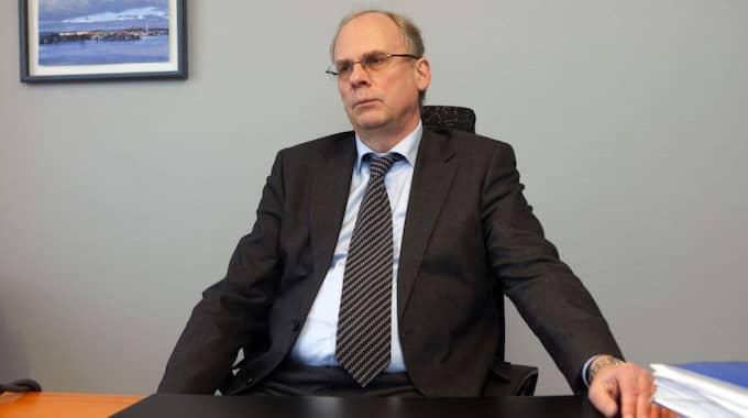 Den 36-årige mannen har förordnats advokat Per-Ingvar Ekblad (bilden), som tidigare försvarat barnamördaren Christine Schürrer. Foto: Roger Vikström