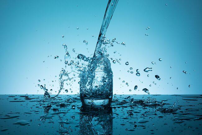 Nu måste vi alla hjälpas åt med att inte slösa på vatten, om vi vill ha vatten i framtiden också.