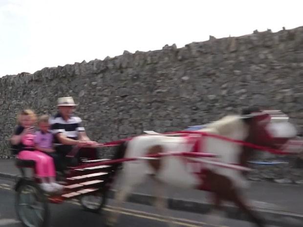 Här bor de kriminella asfaltläggarna – lever lyxliv på Irland