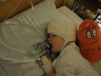 Hilmer var tre år gammal när tumören upptäcktes. Foto: Privat