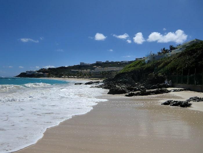 På Kuba finns vackra stränder utanför huvudstaden Havanna.