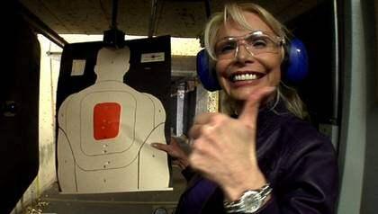 Golddigger eller smart affärskvinna? Det finns många åsikter om Agnes-Nicole Winter, ursprungligen från Borås, som är en av tre svenska hollywoodfruar i TV3:s serie med samma namn. Foto: TV3