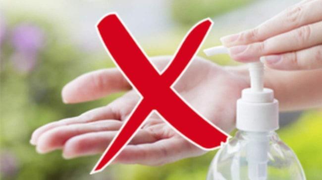 <span>&quot;Handsprit har endast effekt mot bakterier. Så det kan ju vara relevant i länder som Indien eller Egypten, där det förekommer bakteriella infektioner&quot; säger Agnes Wold, överläkare och professor i klinisk bakteriologi vid Sahlgrenska akademin i Göteborg.</span>