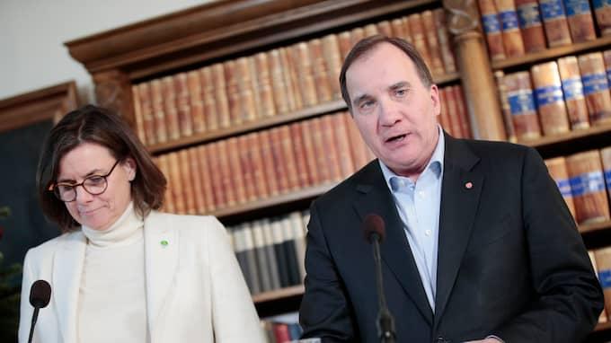 Isabella Lövin (MP) och Stefan Löfven (S) presenterar förslaget om en samtyckeslag. Foto: KICKI NILSSON/TT / TT NYHETSBYRÅN