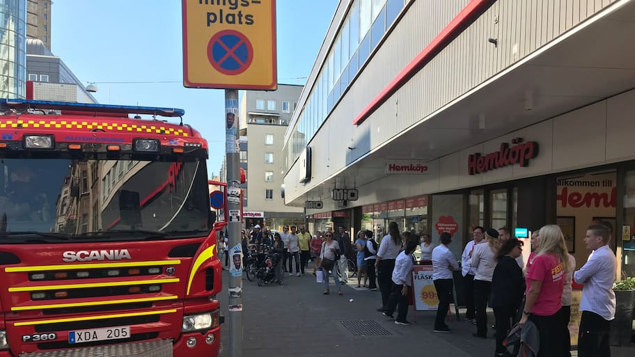 Det var omkring 16.30-tiden som brandlarmet utlöstes på Hemköp, vid