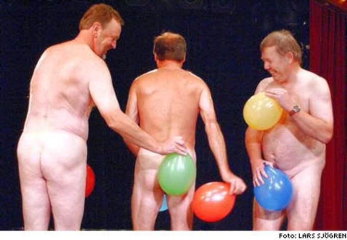 """Sprickfärdiga. Nej, det är inte naturister från """"Farmen"""" utan Torgny Söderberg, Lasse Holm och Bert Karlsson som återupplivar landsplågan """"Ballongdansen"""" i """"Kikki, Bettan och Lotta""""."""