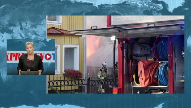 Två villor hotade i fullt utvecklad brand