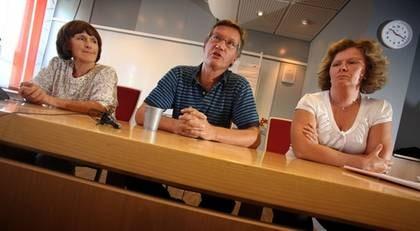 Annika Linde Smittskyddsinstitutet  till vänster,  Anders Tegnell Socialstryrelsen och Eva Hamberg Myndigheten för samhällskydd och beredskap. Under onsdagen hölls en presskonferens om Svininfluensan.