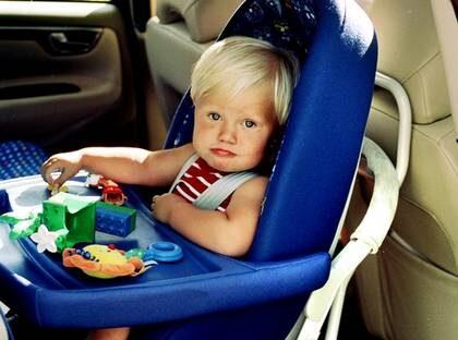 Sakrast att sitta i bilens framsate