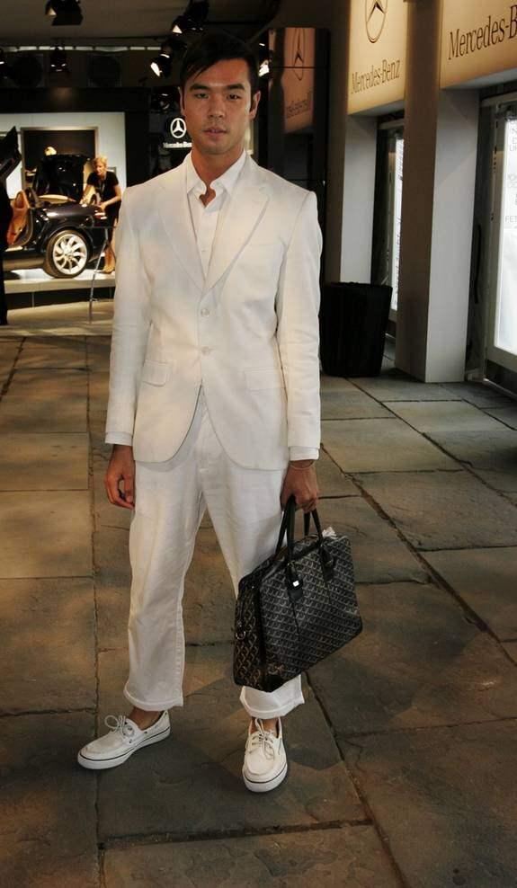 Lance Lin, publicist på PR-firman LaForce-Stevens: - Kläderna kommer från Nautica, väskan från Goyard. Foto: STEFAN FORSELL