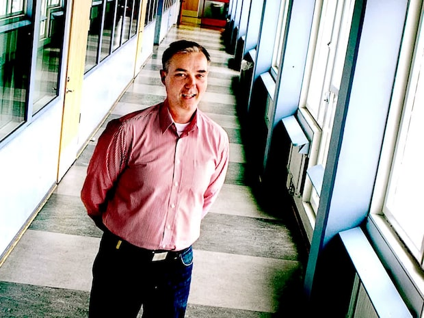 Rektor Olof Stigert - löneförhandlar med släktingar