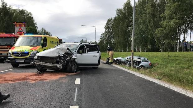 En död efter krock med civil polisbil utanför Arvika