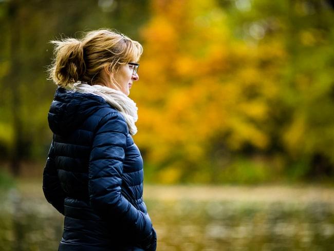 En känsla av ensamhet och social isolering kan öka risken för att drabbas av demens med 40 procent.