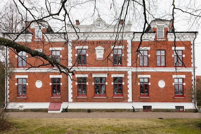 Den gamla charmiga skolbyggnaden i Klippan byggdes om 2012-2014 till ett hyreshus med åtta lägenheter.