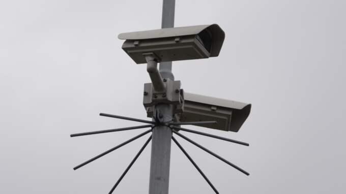Delar av skolområdet bevakas med övervakningskameror. Foto: Stefan Lindblom/Hbg-Bild