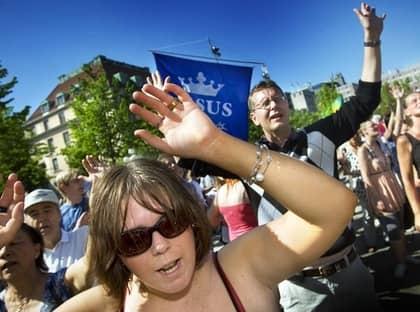 Det var tredje året den stora Jesusmanifestationen hölls i Stockholm. I fjol deltog 18 000 personer från allehanda kyrkor och samfund. I år räknade arrangörerna med minst 25 000 deltagare. Foto: Yvonne Åsell / Svd / Scanpix