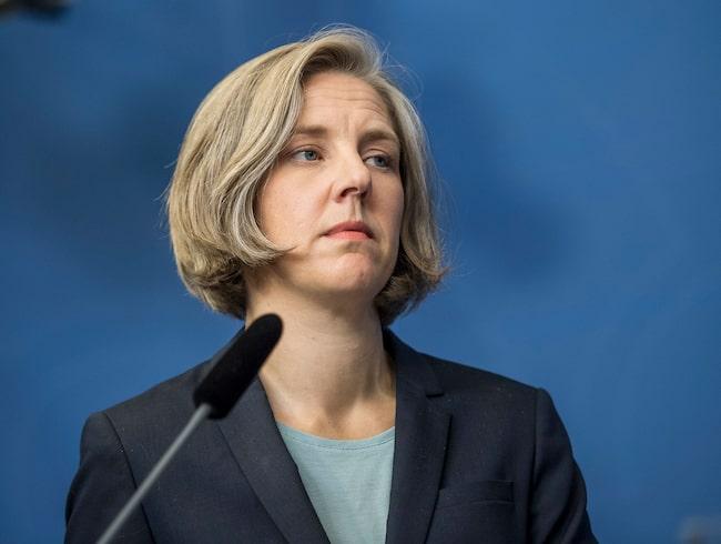 Miljöminister Karolina Skog (MP) och Miljöpartiet vill satsa två miljarder till på kollektivtrafiken.