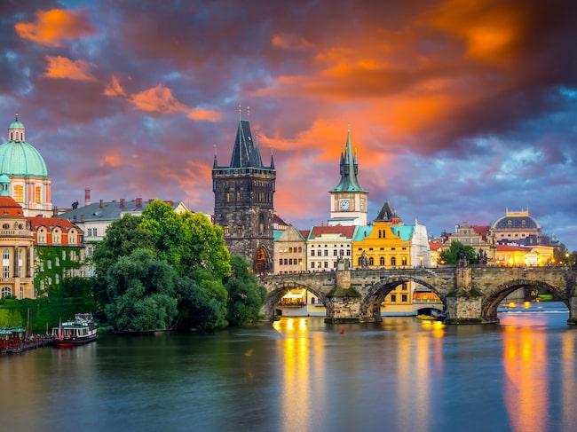 Prag är svenskens favorit vad gälelr storstäder i Östeuropa för en weekendresa, visar statistik från Ticket.