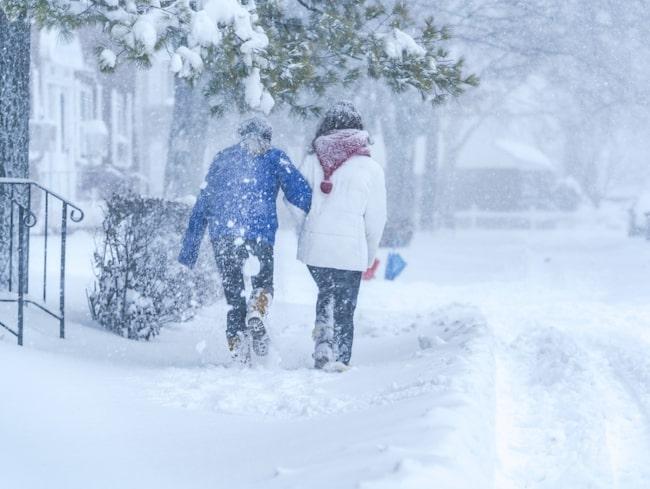 Vill du komma bort från snön och kylan i vinter? Då är det hög tid att boka resa.