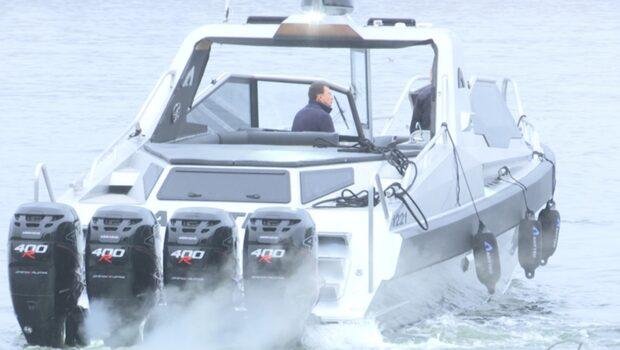 """Ta en rundtur i """"Foppas"""" nya mångmiljon-båt"""