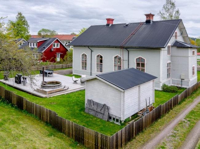 Den gamla baptistkyrkan i Hofors är till salu för 1 350 000 kronor.