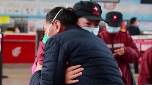 Glädjen! Wuhan öppnas upp efter två månader i karantän