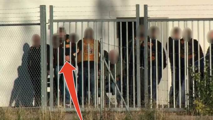 Polisens spaningsbilder visar hur högt uppsatta Bandidos-medlemmar samlades i Skaraborg i höstas. Med på bilden är den lokala Bear Jaw-presidenten. Foto: Polisen