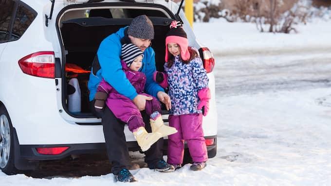 Bilen fixar livspusslet och familjer måste ges en ärlig chans att ställa om från dieseldrivna bilar, skriver Jessica Rosencrantz och Maria Malmer Stenergard. Foto: COLOURBOX