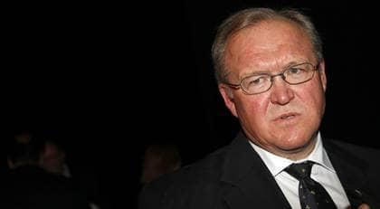 """MINNS INTE EXAKT VAD SOM HÄNDE. Per Nuder påstår i sin bok att Göran Persson ramlade och bröt nyckelbenet efter en fest på Harpsund. """"Jag är förvånad att Nuder minns något"""", säger Persson om kvällen. Foto: Krister Larsson"""