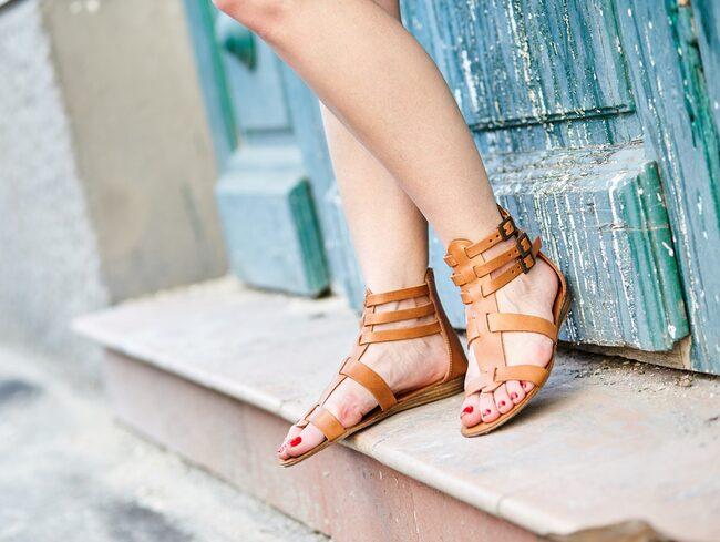 Få sommarfina fötter med rätt produkter.